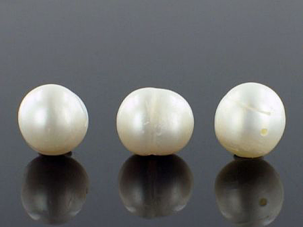 Large Pearl Round Beads
